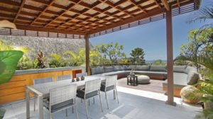 Outdoor area opens up to a splendid seaview