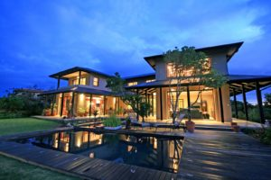 Large and gorgeous private estate